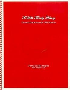 1989 TeSelle Reunion Book Cover
